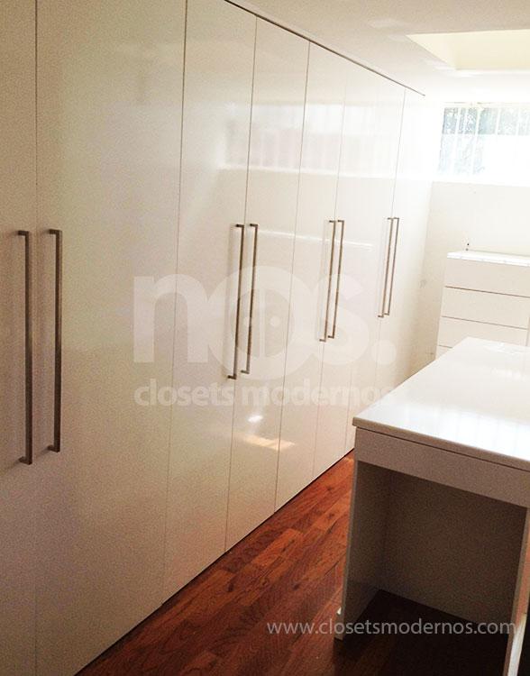 Closet abatible 1 nos closets modernos for Closets df precios