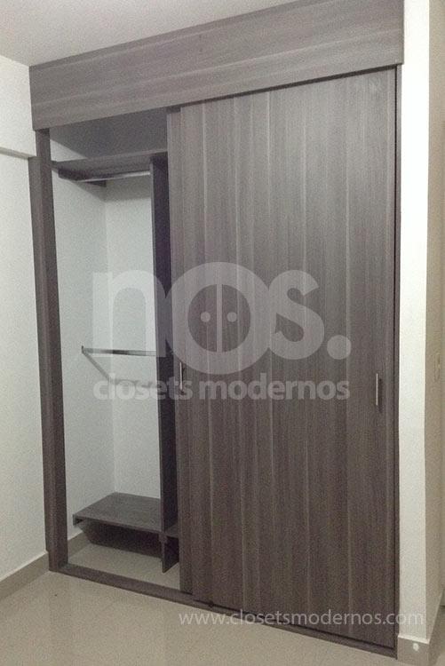 Closet corredizo 3b nos closets modernos for Modelos de zapateras en closet