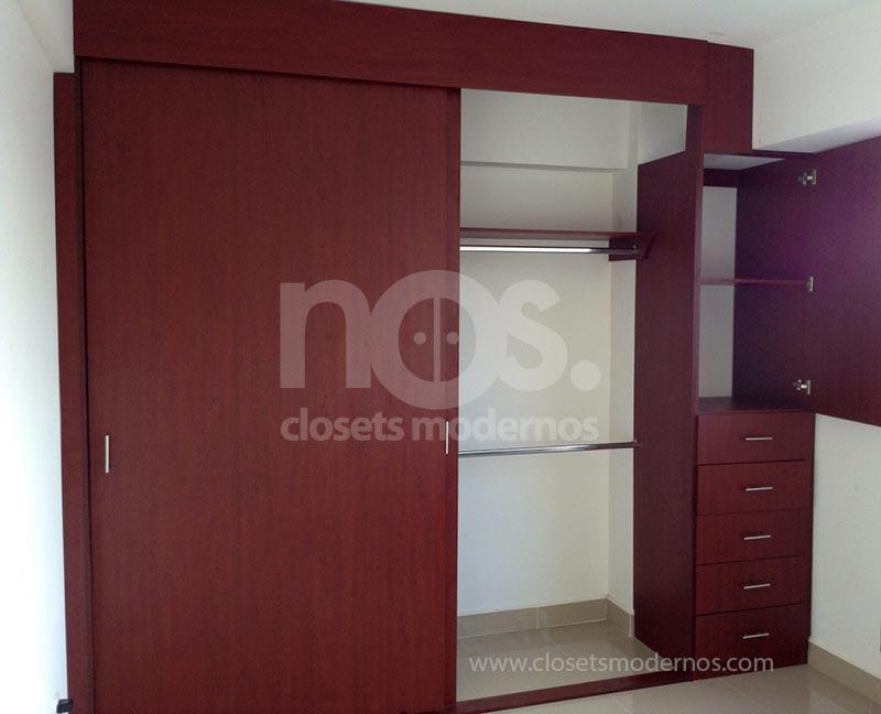Closet corredizo 6 nos closets modernos for Closet de madera modernos pequenos