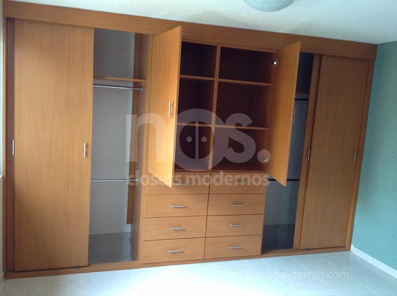 Closet corredizo 8 nos closets modernos for Zapateros modernos de pared