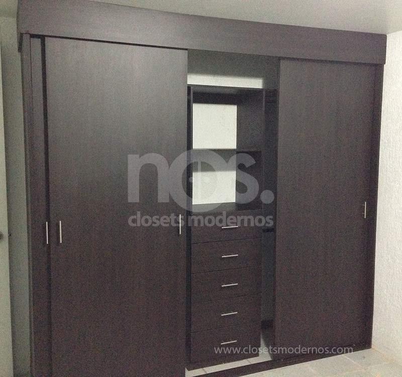 Closet corredizo 9b nos closets modernos for Closets modernos para parejas