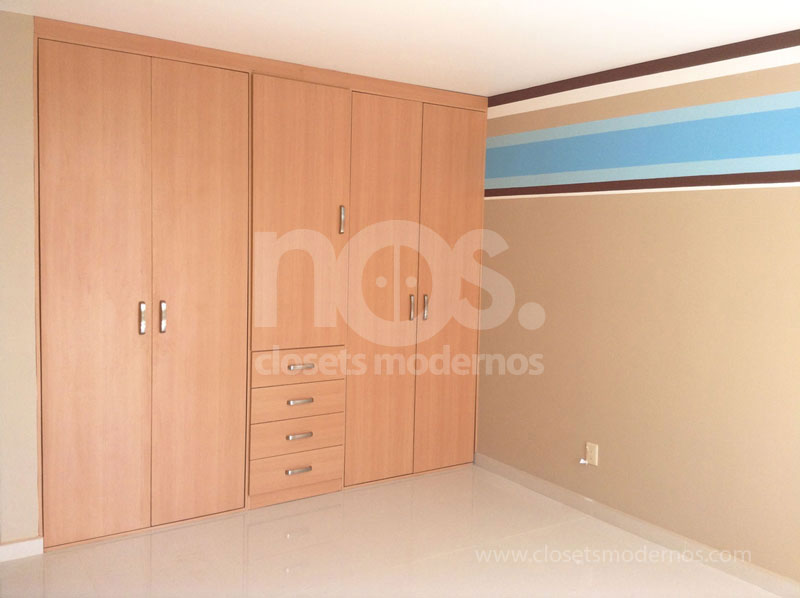Dise o de closets y vestidores modernos en df y estado de for Disenos de zapateras para closet
