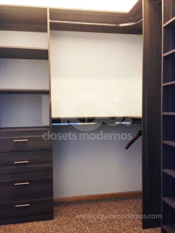 Vestidor moderno 8 nos closets modernos for Closets estado de mexico