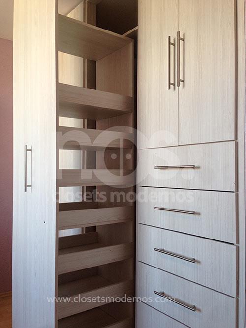 Closets modernos abatibles 30 nos closets modernos for Closets modernos para parejas