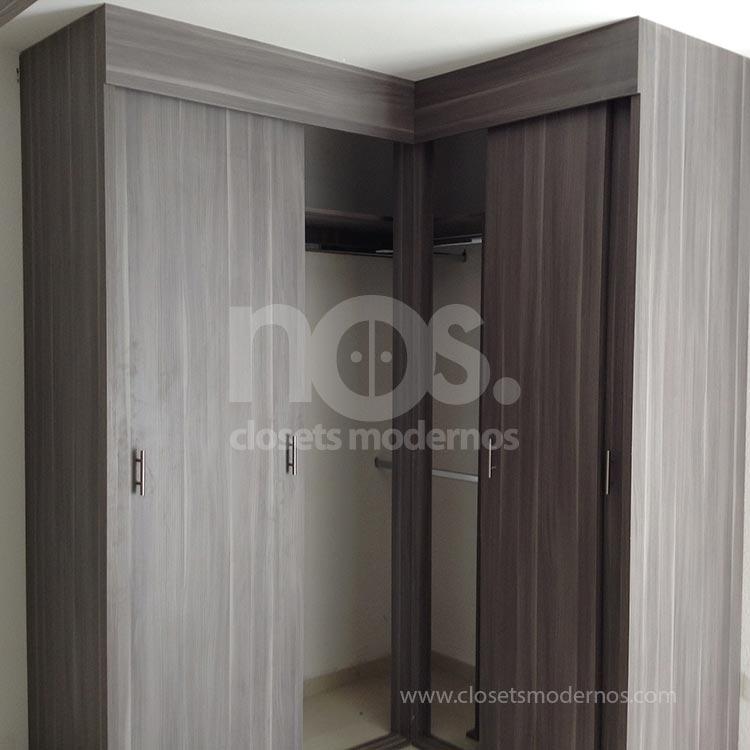 Closet en escuadra 4 nos closets modernos for Modelos de zapateras en closet